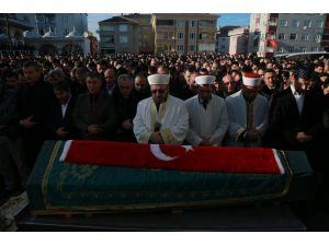 Kıraathane saldırısında ölen genç toprağa verildi