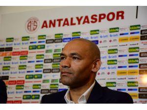 Antalyaspor Teknik Direktörü Morais, beyin kanaması geçirdi