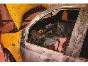 Aniden yanan ticari taksiden yaralı kurtuldular
