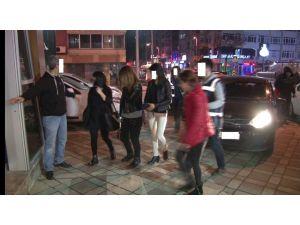 Kadınlara fuhuş yaptıran 3 kişi gözaltına alındı