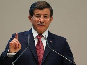 Başbakan Ahmet Davutoğlu: Savaş suçu işleyenlere karşı omuz omuza durmalıyız
