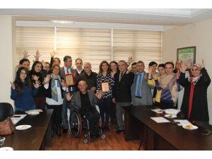 Kamu Personeli İşitme Engellileri Duyacak