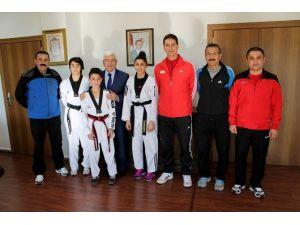 Genç Şampiyonlardan Vali Murat Koca'ya Ziyaret