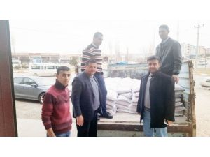 AK Parti Besni Teşkilatından Bayırbucak Türkmenlerine Yardım