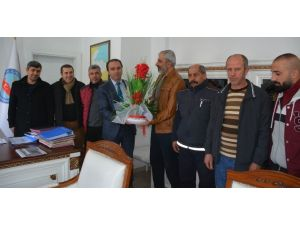 Tatvan Sporlu Eski Futbolculardan Kaymakam Erkan'a Ziyaret