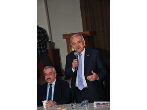 AK Parti'den ihracı istenen Öztürk'ün onursal başkanlığı da geri alındı