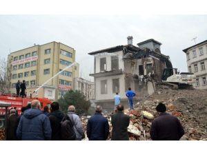 Tabakhane'de Yıkılan Bina Sayısı 490'a Ulaştı