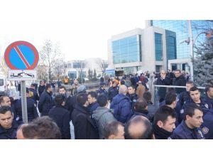 CHP'li gençlerin ulaşım protestosuna 'temizlik' engeli