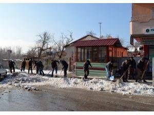 Adilcevaz'da Karla Mücadele Çalışması