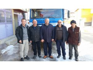 Hayırseverlerden bir kamyon patates bağışı