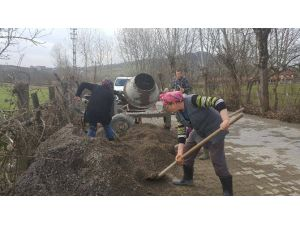 Kadın İşçilerden Alt Yapı Çalışmalarına Destek