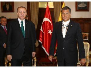 Cumhurbaşkanı Erdoğan, Ekvador Devlet Başkanı Correa İle Bir Araya Geldi