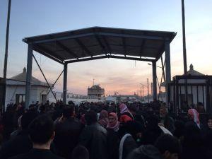 Sınıra Dayanan Suriyelilere Yardım Eli Uzatıldı
