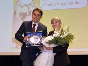 Prof. Karatay, Mersin'de Sağlıklı Beslenmeyi Anlattı