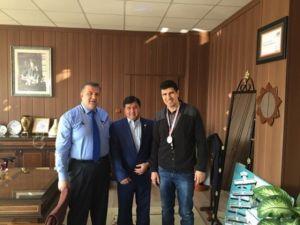 Türkiye İkincisi Boks Şampiyonundan Müdür Koca'ya Ziyaret
