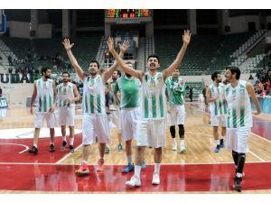 Lider Bursaspor İzmir Deplasmanında
