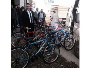 Cide'den Dört Ortaokula On Bisiklet Verildi