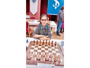 Altın Kız Hayrun Nisa Türkiye Şampiyonu