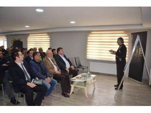 """Beylikova'da """"Buğday Yetiştiriciliği Ve Çeşit Seçimi"""" Konferansı Düzenlendi"""