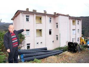 Hastane Olarak Yapılan Bina Atıl Halde Bekliyor