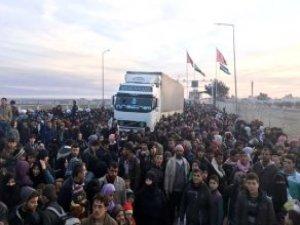 BM Açıkladı: 15 Bin Kişi Türkiye Sınırında