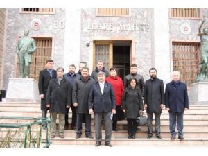 AK Parti'lilerden Tepebaşı Meclis Kararına Suç Duyurusu