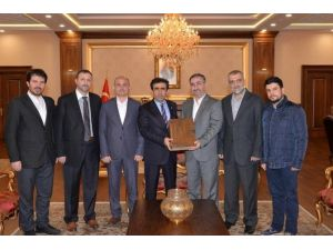 Ufka Yolculuk Komisyonu'ndan Vali Güzeloğlu'na Ziyaret