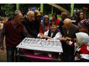 Şişko Nuri'ye Doğum Günü Kutlaması