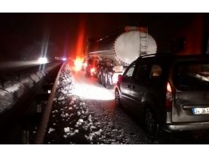 Kayan Tır Yolu Kapattı, 15 Kilometrelik Araç Kuyruğu Oluştu