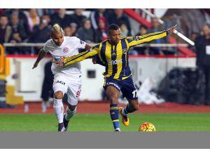Antalyaspor: 1 - Fenerbahçe: 0 (İlk yarı)