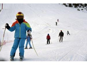 Tatillerini Kayak Yaparak Geçirdiler