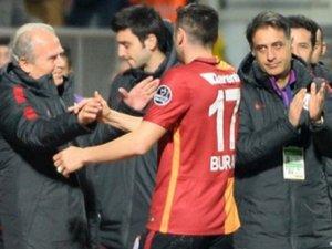 Mustafa Denizli ile Burak Yılmaz arasında şok diyalog!