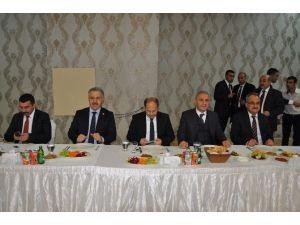AK Parti Kars Milletvekili Ahmet Arslan'ın BTK Demiryolu Hattı Açıklaması