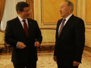 Başbakan Davutoğlu'nun Özal Alıntısı Nazarbayev'i Mest Etti