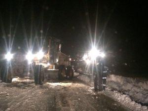 Karda Mahsur Kalan Vatandaşları Belediye Kurtardı