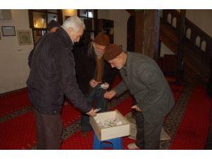 Lapseki'de Bayırbucak Türkmenlerine Ve Şehit Ailelerine Yardım Kampanyası