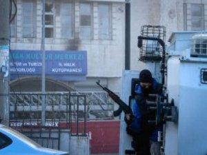 Şırnak'ta Emniyet Binasına Yapılan Saldırı Kamerada