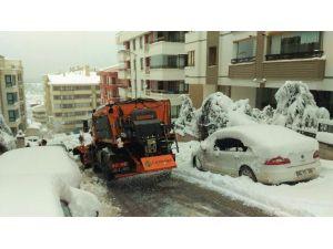 Sürpriz Kar Yağışına Anında Müdahale
