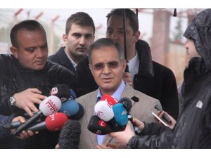 Kilis Valisi: Şu anda Suriyelileri Türkiye'ye alma gibi bir ihtiyaç yok