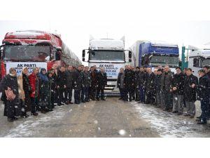 Bayırbucak Türkmenlerine Samsun'dan dokuz TIR gıda yardımı