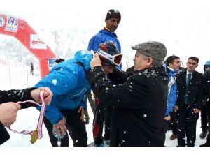 Ergan, Uluslararası Dağ Kayağı Yarışmasına Ev Sahipliği Yaptı
