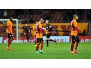 Galatasaray Evinde Tat Vermedi