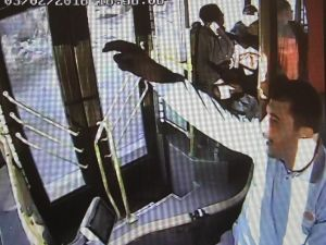 Belediye Otobüs Şoförü Hayat Kurtardı