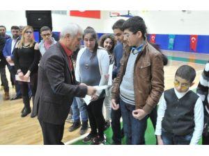 Buges Sporcularına Başkan Bozbey'den Ödül