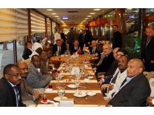 Bakan Efkan Ala Sudanlı Belediye Başkanlarıyla Buluştu