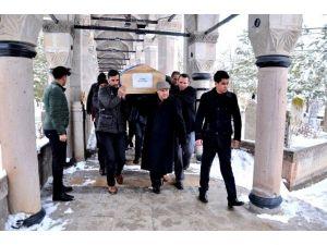 Ankara'daki Kazada Ölen 3 Kişi Erzincan'da Defnedildi