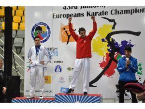 Karateciler Avrupa'yı 10 altın, 3 gümüş, 7 bronzla zirvede tamamladı