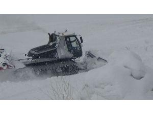 Kars'ta 196 köy ile ulaşıma kar engeli