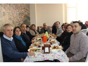 İstanbul'daki Karahallılılar, Vakıf Kahvaltısında Buluştu