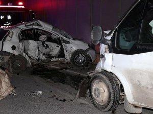 Ümraniye'de trafik kazası: 2 ölü, 3 yaralı